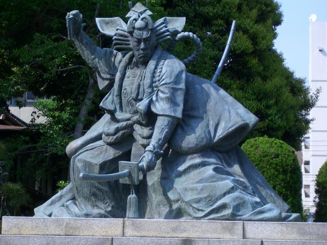 九代目市川団十郎の銅像