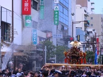 下町—夏の風物詩 深川八幡水掛け祭り